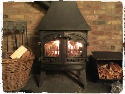 clydey log fire
