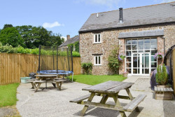 child and family friendly cottages